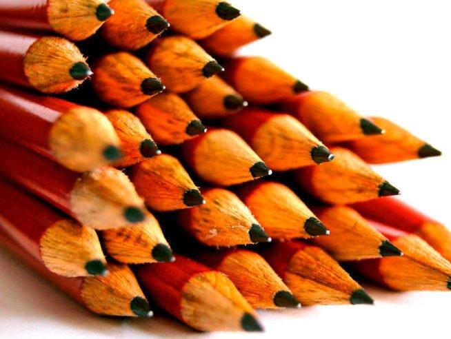 creioane cu mina grafit