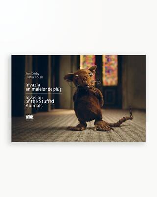 INVAZIA ANIMALELOR DE PLUS - INVASION OF THE STUFFED ANIMALS (EDITIE BILINGVA)